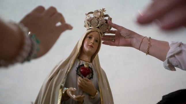 Neitsi Maarja Fátima kuju