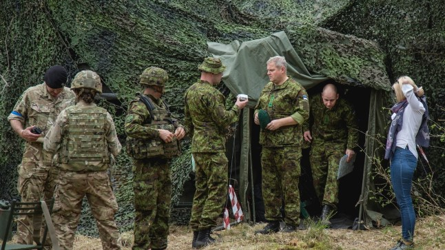 Kevadtorm 19. mail 2017. Kaitseväe juhataja kindral Riho Terras ja kaitseminister Margus Tsahkna käisid õppusi vaatamas Tapal, Viru-Jaagupi ja Kiviõli ümbruses.