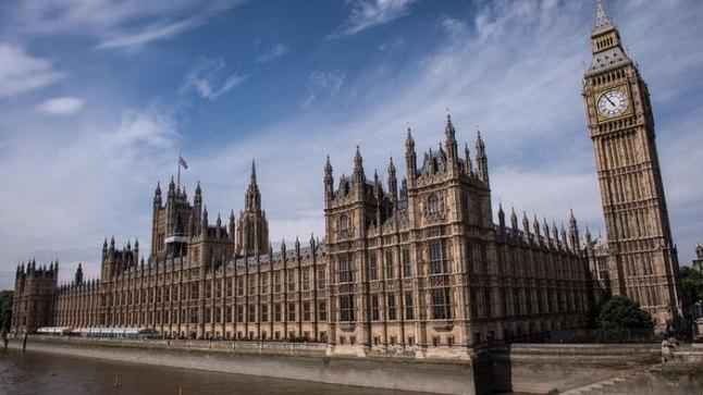 В Лондоне<font color=&quot;#d30008&quot;> Вестминстерский дворец закроют для публики</font> после теракта в Манчестере