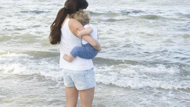 MURTUD SÜDAMEGA: 42-aastane naine jäi põgusast romansist endast 15 aastat nooremast mehest rasedaks