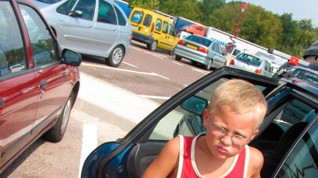ELUNIPP: mida teha, kui laps oksendab autosse?