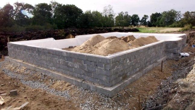 Alumiste majapalkide vahetus peab käima käsikäes vundamenditöödega.