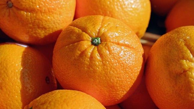 Apelsiniaroom toob tuppa värskust.