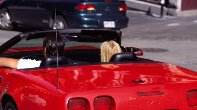 Секс в машине с передачей скоростей