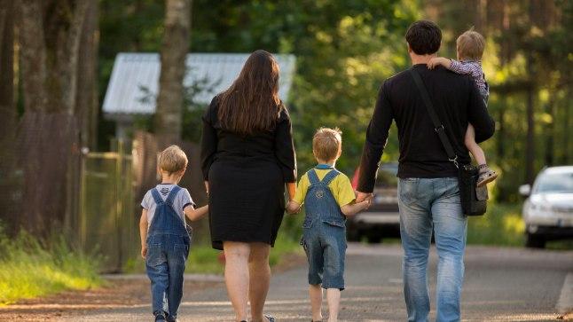 """Naisühendus: perekonna mõistet ei tohi """"emast"""" ja """"isast"""" ilma jätta!"""