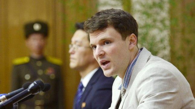 Otto Warmbier Põhja-Koreas kohtu ees 2016. aastal.