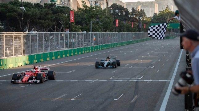 Sebastian Vettel edestas lõpujoonel napilt Lewis Hamiltoni, kuid mõlemad mehed jäid esikolmikust välja.