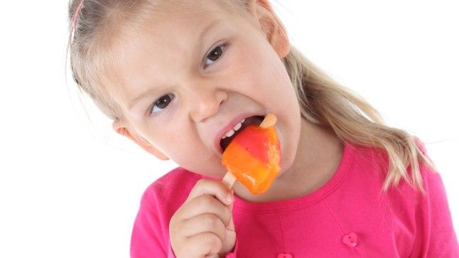 Ettevaatust kodutehtud jäätisega - kui jäätist valmistatakse liigtooretest munadest, võib nendes leiduda Salmonella bakter.