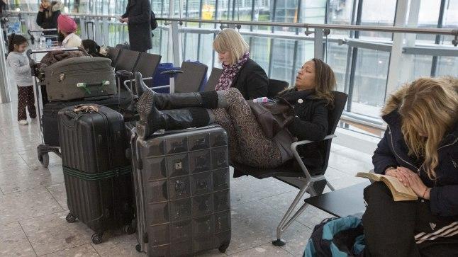 TAVALINE PILT: Lennujaamades kohtab tülpinud näoga igavlevaid inimesi kindlasti keskmisest enam.