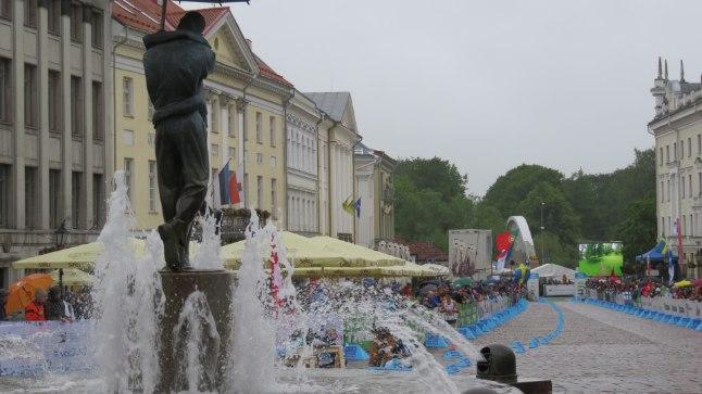 Orienteerumise sprindi finaalid Tartu vanalinnas ja Toomemäel.