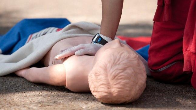 KIITUST VÄÄRT: Tartu kiirabi püüdis kaheksa-aastast  poissi elustada kaks ja pool tundi, kahjuks tulutult. Elustamiseks kasutati kõiki vahendeid. Foto on illustreeriv.