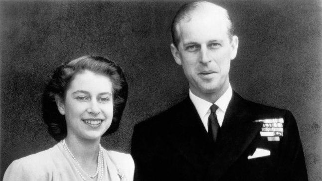 Printsess Elizabeth ja leitnant Philip Mountbatten oma kihlusfotol.