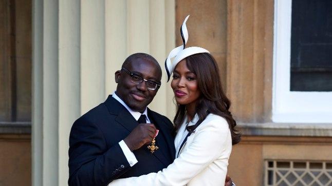 Tunnustatud moestilist Edward Enninful ja Naomi Campbell on aastaid olnud lähedased sõbrad - nii lähedased, et Enninful kutsus mullu Naomi kaasa Buckinghami paleesse, kus talle anti üle Briti Impeeriumi Ordu orden.