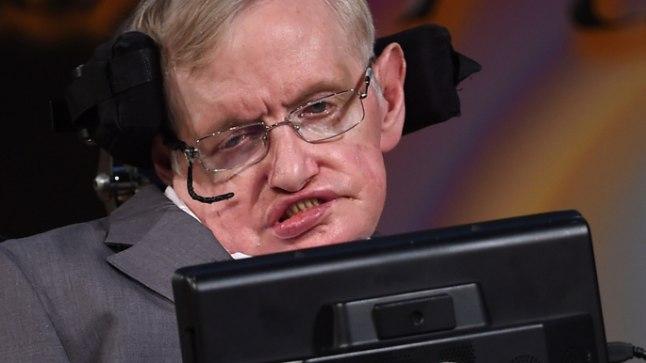 NÄEB TULEVIKKU SÜNGETES VÄRVIDES: Briti astrofüüsik Stephen Hawking  (75) hoiatas BBCle antud intervjuus, et globaalse soojenemise jätkumisel tõuseb temperatuur Maal üle 250 kraadi ning meie koduplaneet muutub elamiskõlbmatuks nagu seda on praegu Veenus.