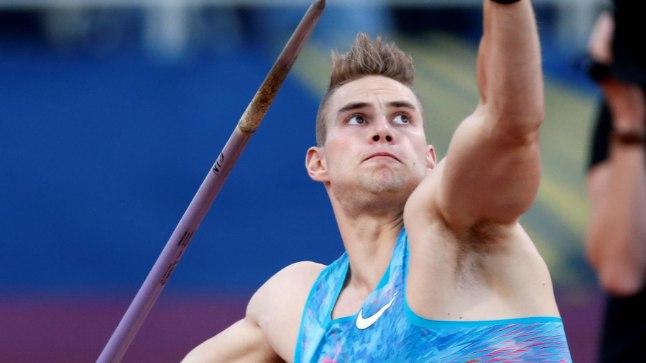 24aastast Johannes Vetterit eraldab Jan Železny vägevast rekordist veidi enam kui neli meetrit.