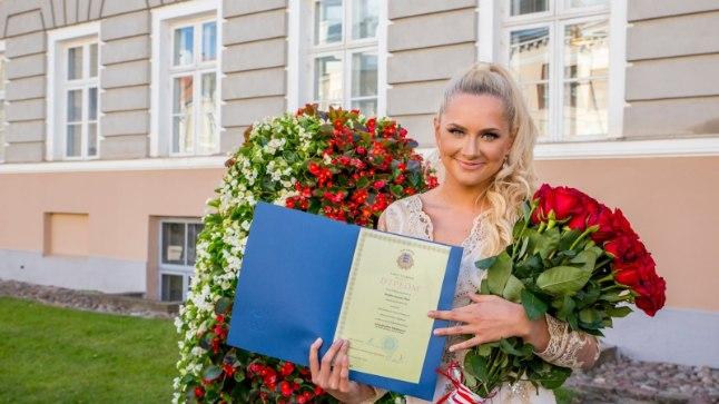 Brigitte Susanne Hunt Tartu Ülikooli lõpetamisel.