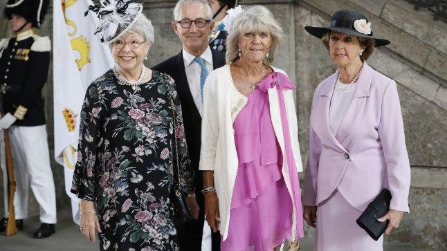 Printsess Christina, printsess Birgitta ja printsess Desiree oma vennatütre 40. sünnipäeva tänujumalateenistusel.
