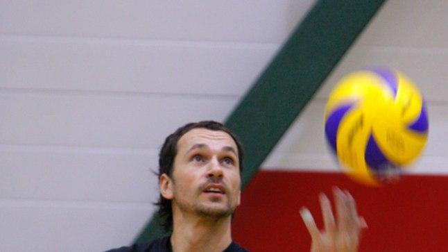 Austris Štals mängis 2009. aastal Selveris liberona, nüüd alustab ta samas klubis peatreenerina.
