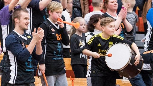 Pärnu korvpalliklubi fännid saavad meeskonna tegemistele kaasa elada ka tuleval hooajal.