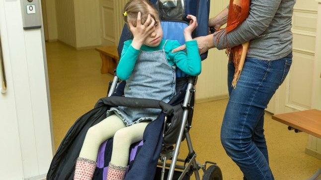 """MU TÜTAR POLE HAIGE: Kaja sõnul on nukker, et puudega lapsi nimetatakse delikaatsemalt öeldes haigeteks. """"Ei, lapsel ei ole palavikku ega viirust,"""" sõnab Kaja."""