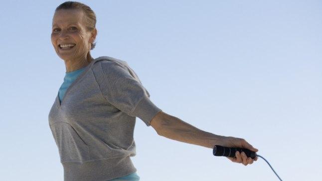 Hüppenööriga hüppamine koormab liigeseid väga ja soodustab nii ka selja- ning põlvevalude teket.