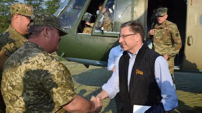 RINDE LÄHISTEL: USA eriesindaja Ukrainas Kurt Volker ütles pärast külaskäiku Donbassi, et Ida-Ukrainas käib kuum sõda.