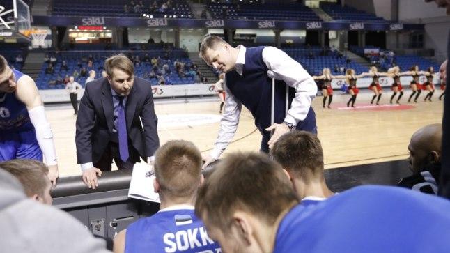 Indrek Reinbok (vasakul) juhendas Alar Varraku haigestumise tõttu läinud hooajal ühes mängus Kalev/Cramot ka peatreenerina.