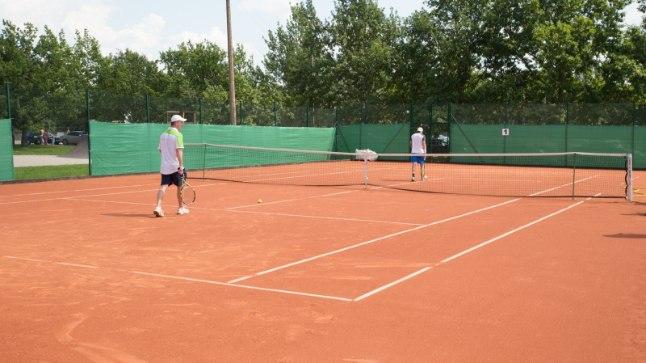 Tennisemänguks pole liiga palju vaja: piisab väljakust, partnerist, varustusest.