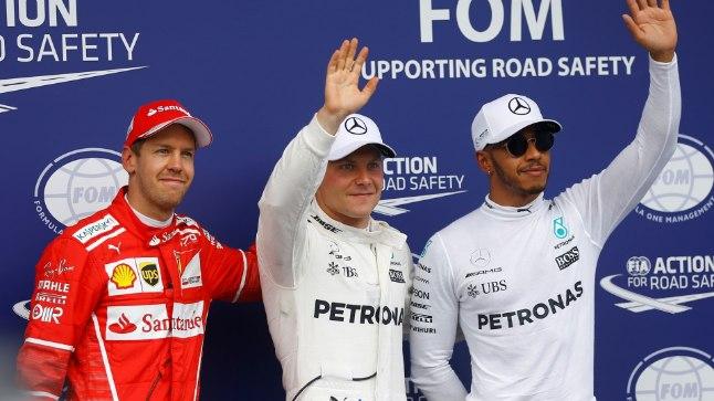 Austria GP kvalifikatsiooni kiireimad: Valtteri Bottas (keskel), Sebastian Vettel (vasakul) ja Lewis Hamilton (paremal). Kolmanda aja välja sõitnud Hamilton sai käigukasti vahetamise eest viiekohalise karistuse.
