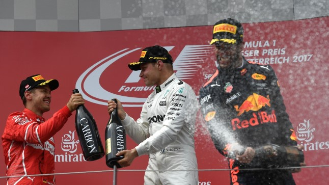 Sebastian Vettel, Valtteri Bottas ja Daniel Ricciardo.