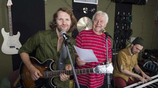 BÄNDIPROOVIS: Robert ja Ivo Linna kinnitavad kui ühest suust, et bluus on neile alati meeldinud, sest bluusist on välja kasvanud nii rock'n'roll kui rokkmuusika.