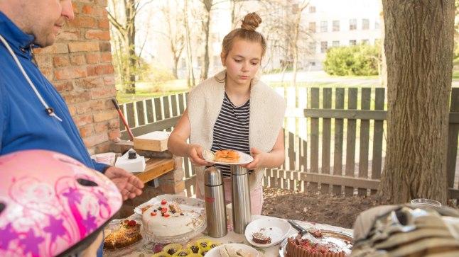 Tänavu mais peeti Karlovas kohvikutepäeva, sel pühapäeval saab kodukohvikuid nautida Tammelinnas.