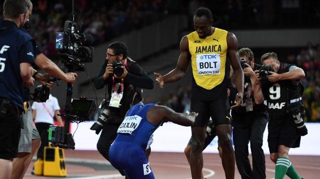 Londonis maailma kiireimaks meheks tõusnud Justin Gatlin annab au Usain Boltile. Kui Bolt on ameeriklase patud juba ammu andestanud, siis Londoni MM-i publik seda ei teinud.