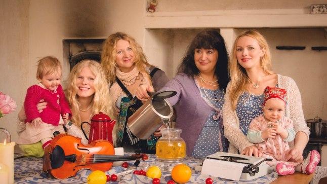 Sofia Joons (pildil Eiraga), Katrin Laidre, Kairi Leivo ja Kristiina Ehin (pildil Luikega) usuvad, et naisest teeb hea koka motivatsioon ja mitte moodne köögitehnika.