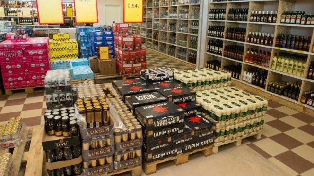 Alkoholipood Alko 100 Eesti - Läti piiril