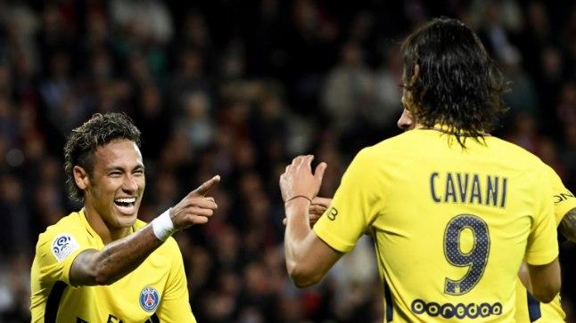 Neymar Ja Cavani väravat tähistamas.