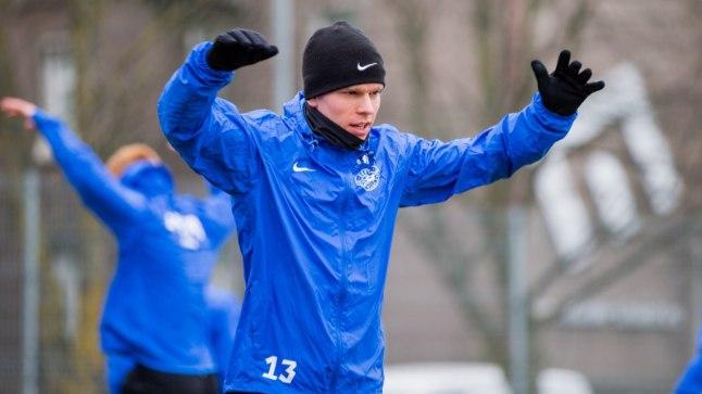 Ilja Antonov jalgpallikoondise trennis. Praegu on tema kontol 31 A-koondise mängu ja üks värav.
