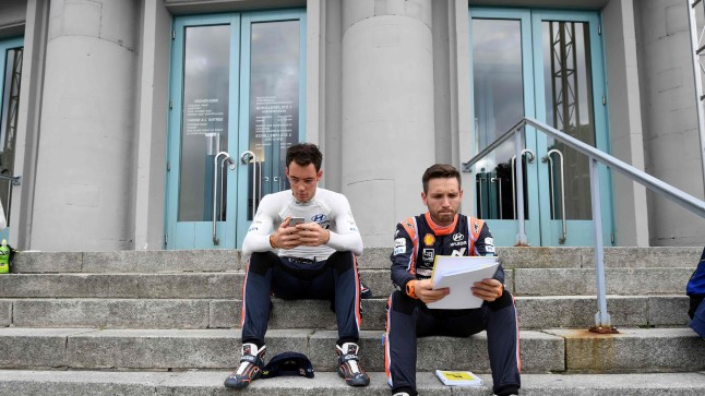 - Belgium Thierry Neuville and his co-driver Belgium Nicolas Gilsoul (R) attend the official start of the Rally of Germany in Saarbruecken, Germany, on August 17, 2017. / AFP PHOTO / PATRIK STOLLARZ