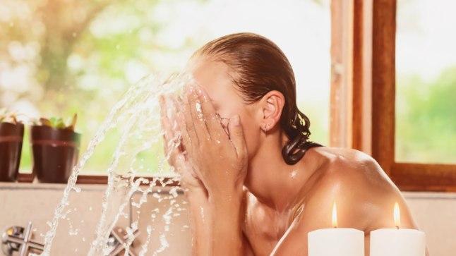 Pärast treeningut pese nägu higist ja väljahigistatud mürkidest puhtaks.