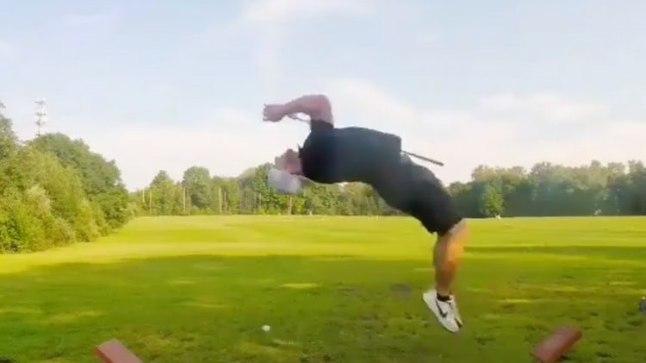 VIDEO | Golfi uus tase: löök tagurpidisaltoga