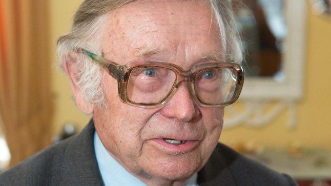 Helmut Piirimäe oli õppejõuna Tartu ülikooliga seotud alates 1956. aastast. 1977. aastal valiti ta üldajaloo professoriks, kellena töötas kuni emeriteerumiseni 1996. aastal.