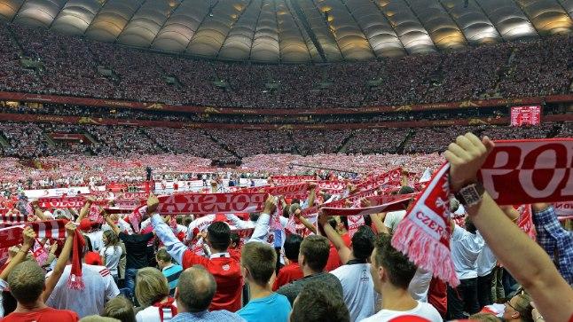 Poola fännid 2014. aasta MMi avamatši ajal.