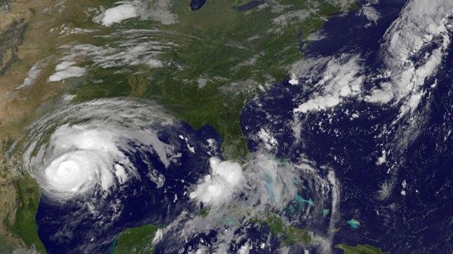USA rannikule läheneb orkaan Harvey.