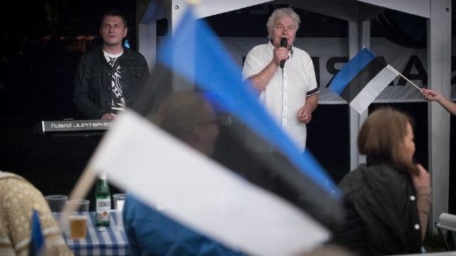EESTI EEST: Ivo Linna ja Antti Kammiste said Poolas erakordse elamuse ja aitasid fännidel kaotusvalust üle saada.
