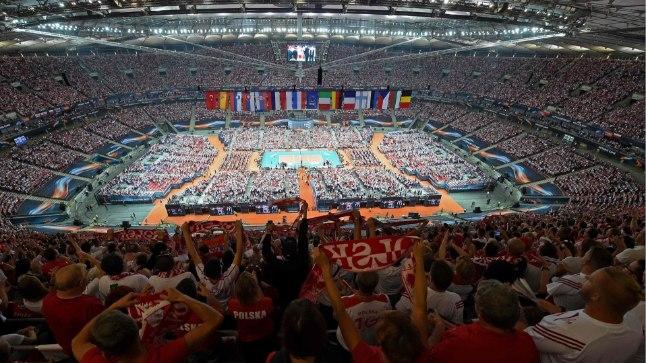 Niisugune vaatepilt avanes eile Varssavis võrkpallimängu aegu.