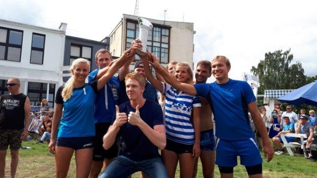 Võidukal Eesti fännitiimil aitas juubeldada ka Mart Naaber, kes täitis eile peetud kvalifikatsioonis kohtuniku rolli.