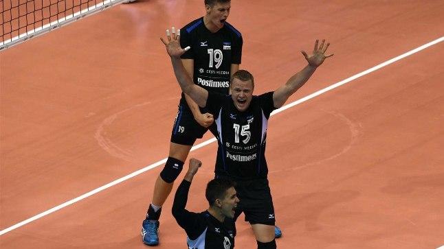 RÕÕMUHETKED: Kolme geimi järel võis loota Eesti võtab Serbia üle ajaloolise võidu, aga seda hetke tuleb veel oodata. Juubeldavad Andri Aganits (vasakult), Andrus Raadik ja Robert Täht.