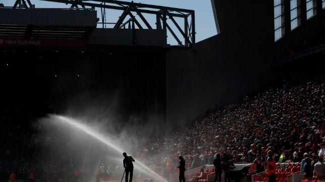 Anfieldi murukatte kastmine varasematel hooaegadel.