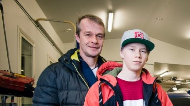 Kalle Rovanperä koos oma isa Harriga.