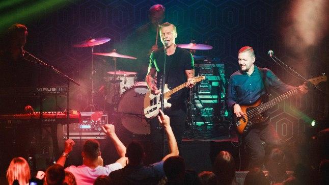 UUS BÄND: Mõte Siim Usina (basskitarr), Kaspar Kalluste (trummid) ja Tarvi Kulliga (klahvpillid) bändi teha idanes Tanel Padaril juba aasta tagasi, kui tehti koostööd Vallatute Vestide projektis.